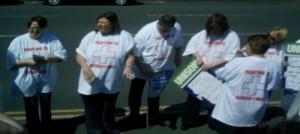 Karen-Reissmann-and-other-nurses-on-the-strike-e1373162033943