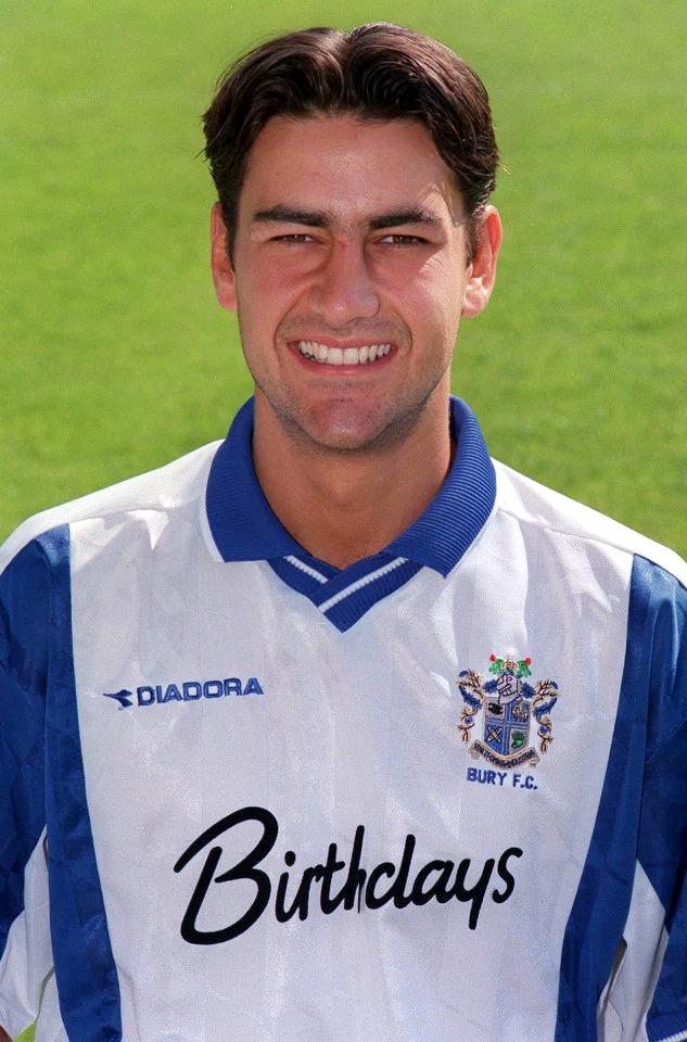 andy-woodward-playing-for-bury-fc