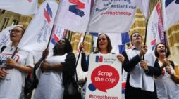 More UK nurses and midwives leaving than joining profession
